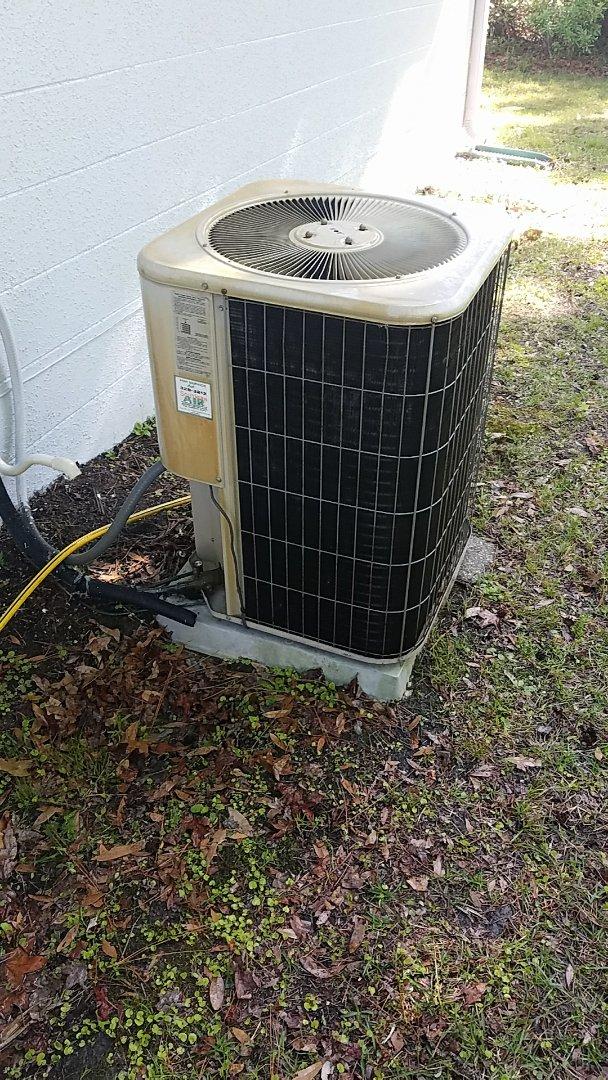 Crescent City, FL - Tune up Lennox split heat pump system
