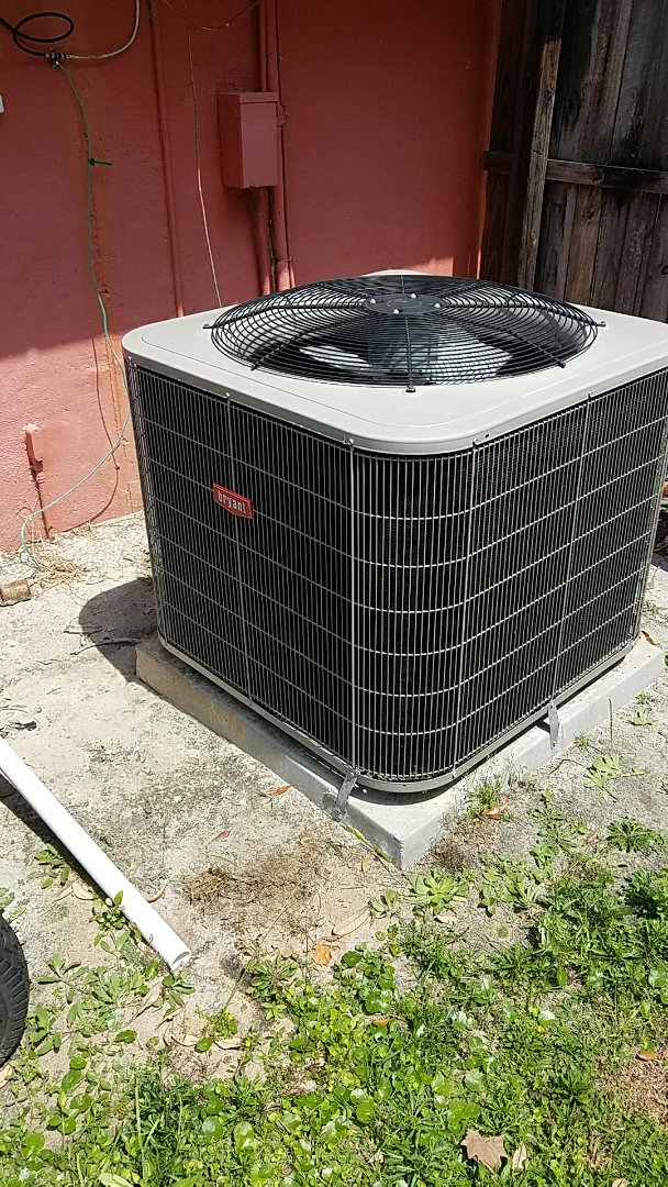 Satsuma, FL - Tune up Bryant split heat pump system