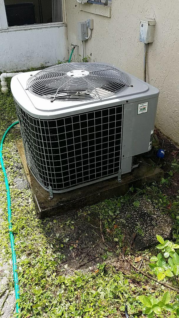 Palatka, FL - Tune up tempstar split heat pump system