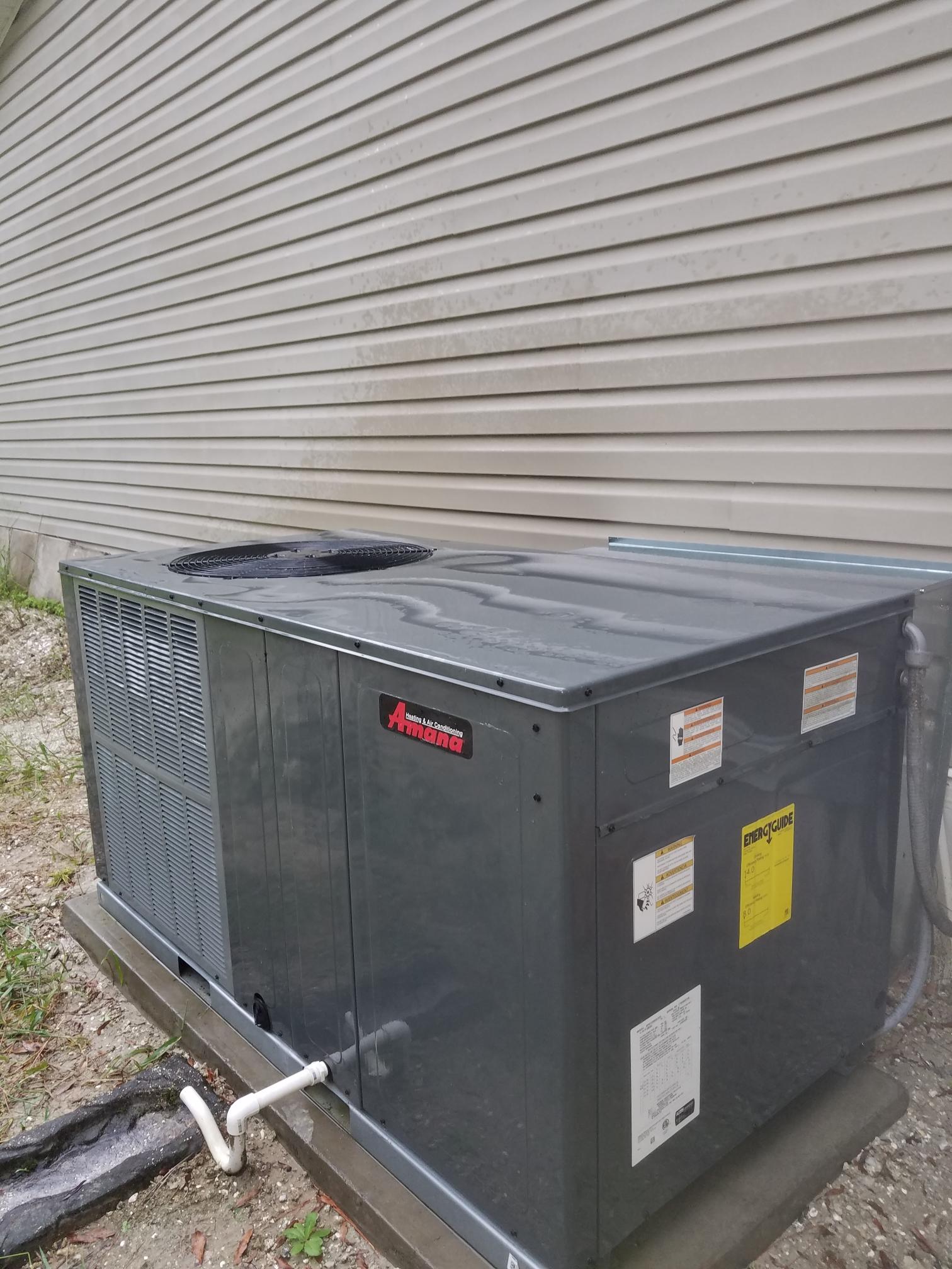 Hastings, FL - Maintenance on amana