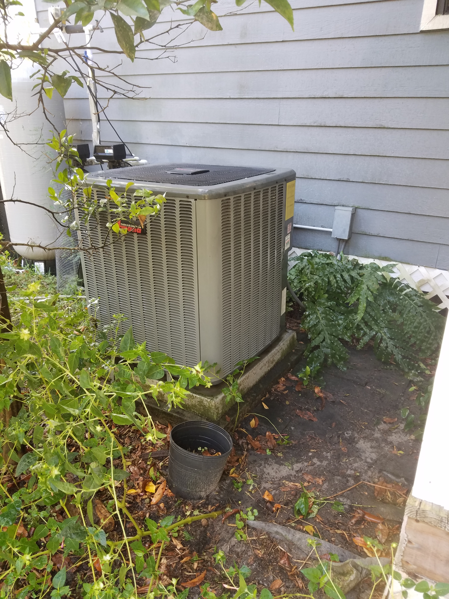 Keystone Heights, FL - Maintenance on amana