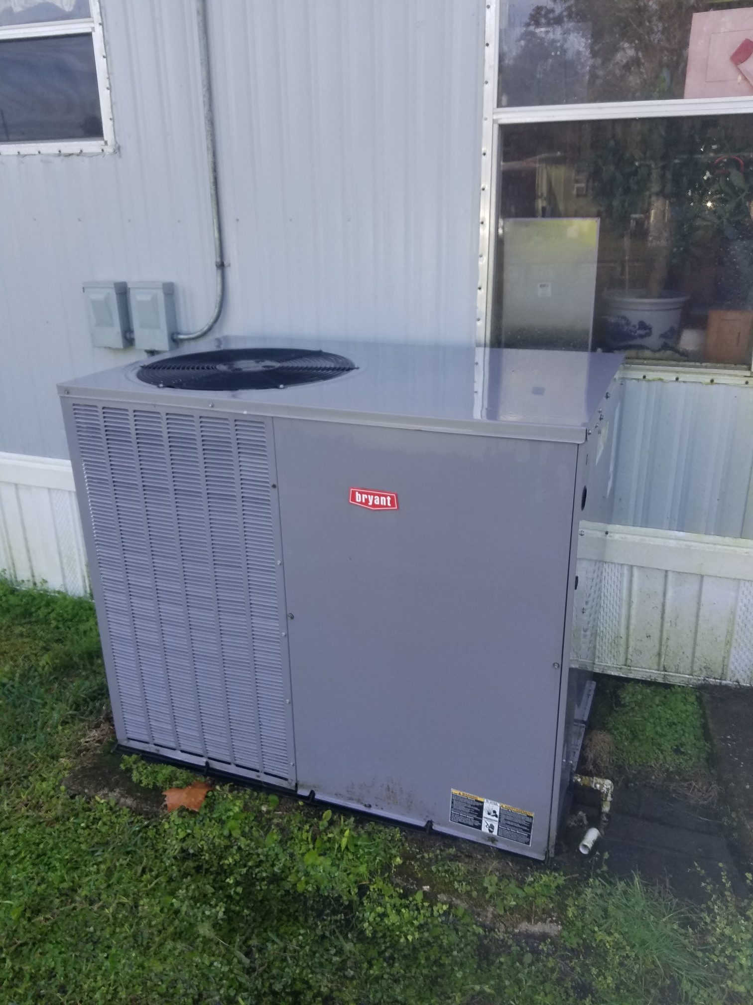 Satsuma, FL - Maintenance on Bryant