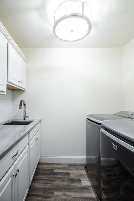 Moorestown, NJ - Beautiful new laundry/mud room