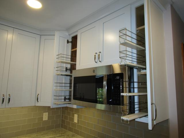 Cherry Hill, NJ - Cabinet storage and organization, kitchen remodel, gut out and start new, all new cabinets, counters, flooring, walls, appliances. We also did a powder room and family at this location.