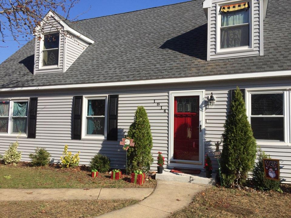 Cinnaminson, NJ - New GAF shingles roof, Certainteed Monogram vinyl siding, mid America shutters, ThermaTru front door