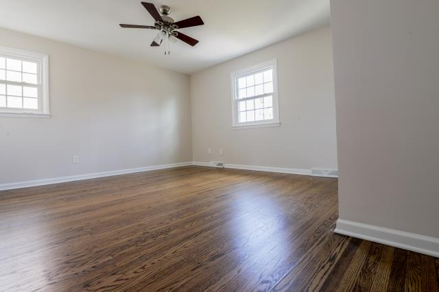 Medford Lakes, NJ - Refinished hardwood floors looking fantastic in Medford Lakes !