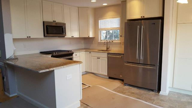 Evesham Township, NJ - Our Marlton kitchen project is coming along beautifully.  Appliances are in, counter tops are set, ready for backsplash !