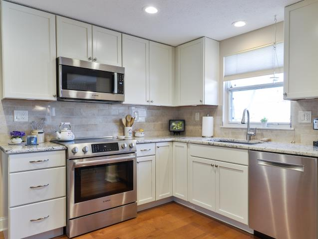 Evesham Township, NJ - Beautiful picture of our completed Marlton kitchen remodel.