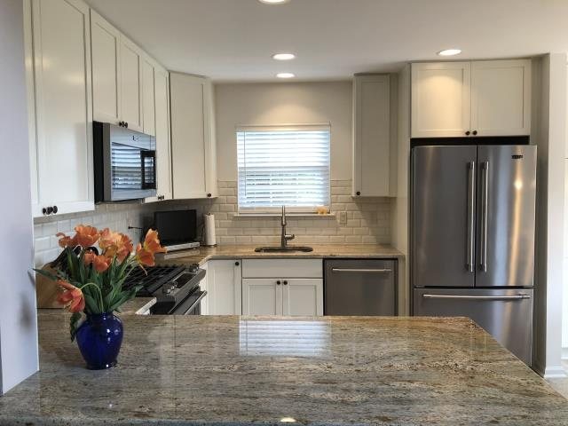 Evesham Township, NJ - Here's a picture of one of our Marlton kitchen projects.  Beautiful work by the Nuss carpenters !