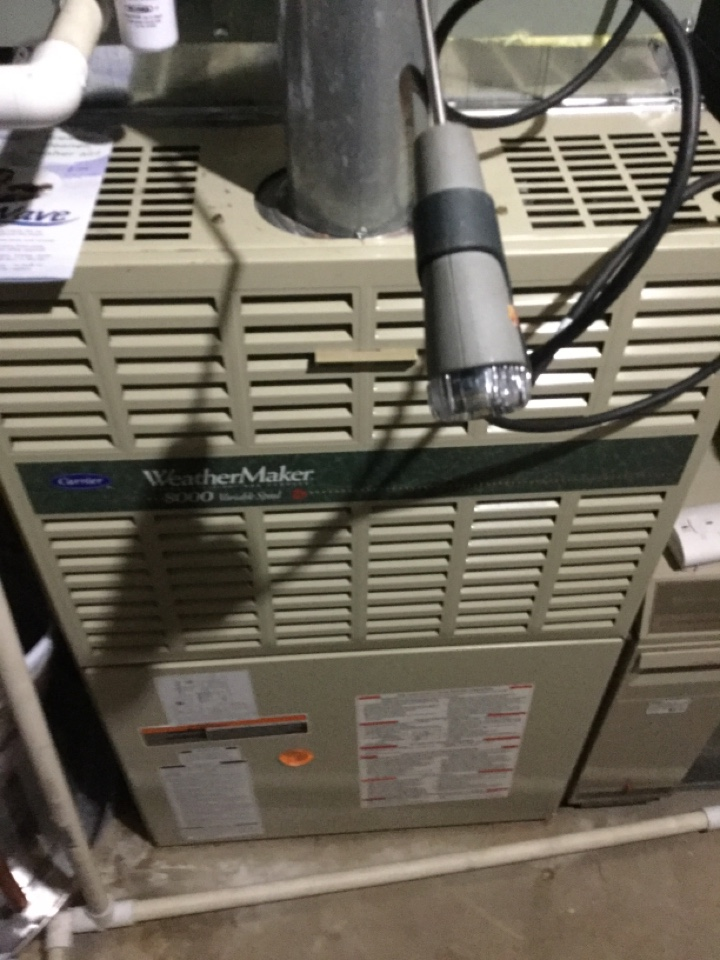 Worthington, OH - Performing maintenance on a 1999 carrier gas furnace.