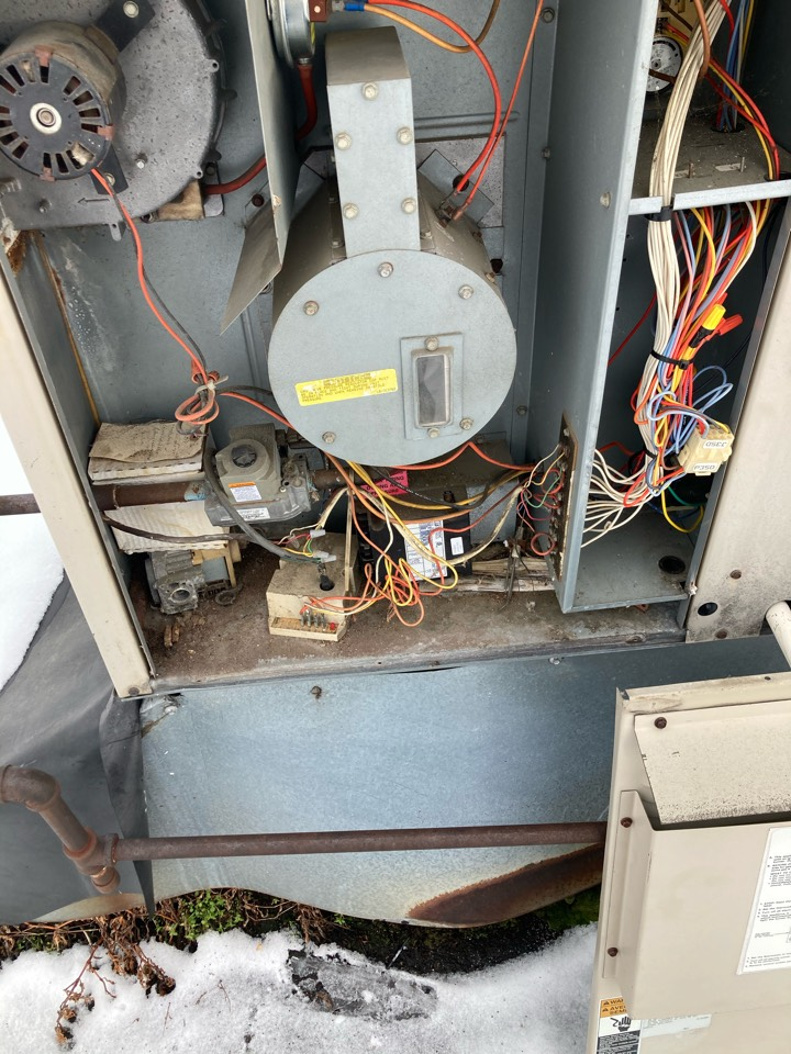 Working on a lennox rooftop unit