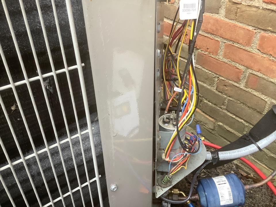 Dublin, OH - Freezing heat pump