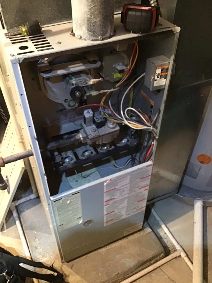 New Albany, OH - Furnace repair on maintenance inspection including cleaning necessary components, tightening electrical connections and combustion analysis to ensure safe and efficient operation.