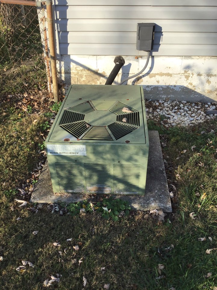 Westerville, OH - Heat pump mechanical inspection including tightening electrical connections and cycling operations to ensure proper operation.