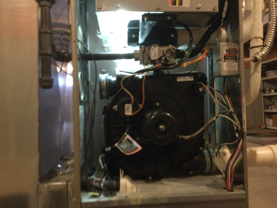 Hilliard, OH - Performing maintenance on a 2010 carrier gas furnace.