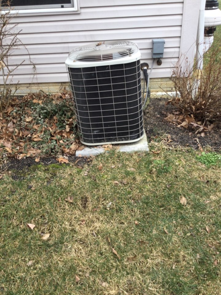 New Albany, OH - Ac maintenance check including cleaning condenser coil, tightening electrical connections and cycling equipment to ensure proper operation.