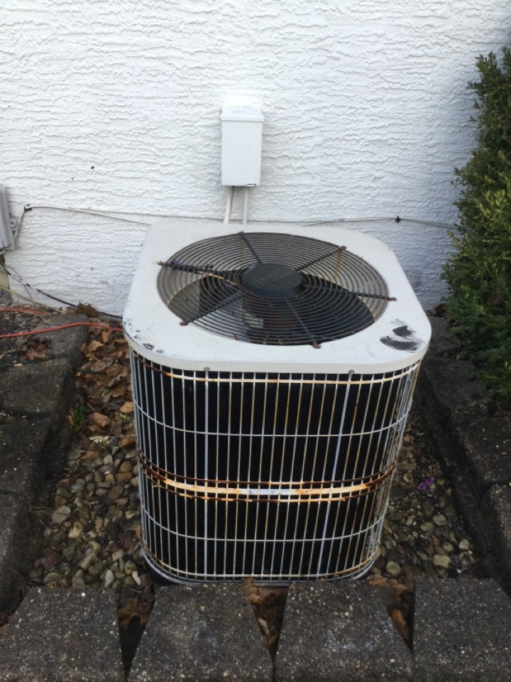 New Albany, OH - Ac maintenance including cleaning condenser coil, checking electrical connections and cycling equipment to ensure proper operation.