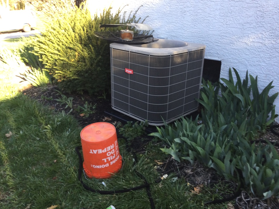 Hilliard, OH - Performing maintenance on a 2013 Bryant air conditioner.
