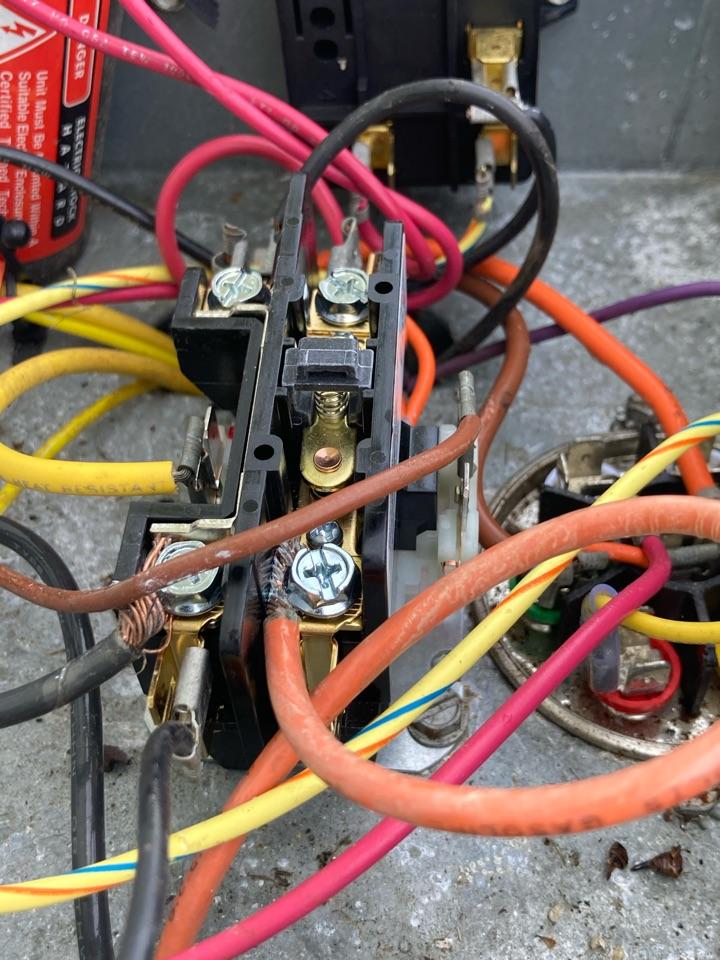 Reynoldsburg, OH - Changing contactor on a Rheem a/c