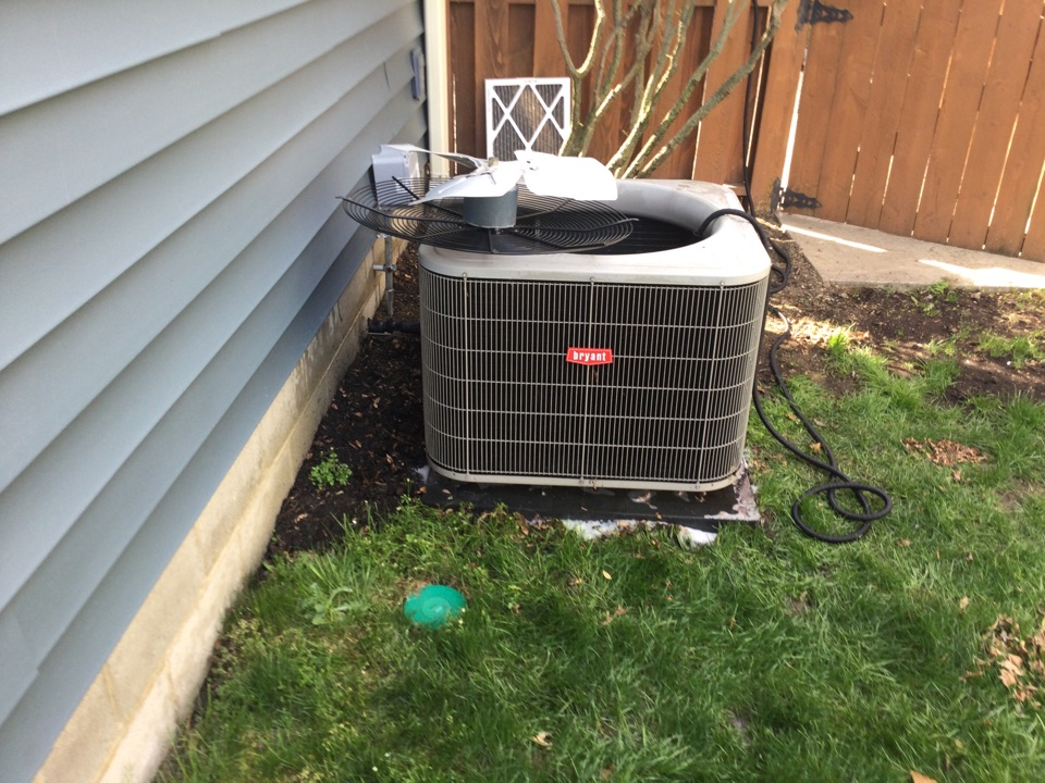Hilliard, OH - Performing maintenance on a 2012 Bryant, air conditioner