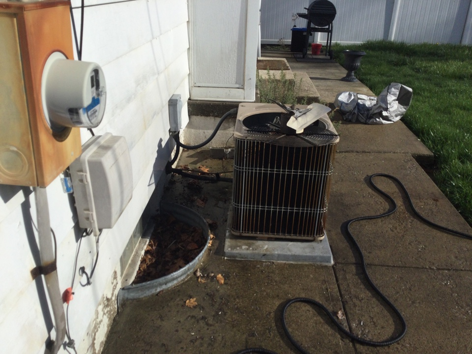 Columbus, OH - Performing maintenance on a 1998 Armstrong air conditioner