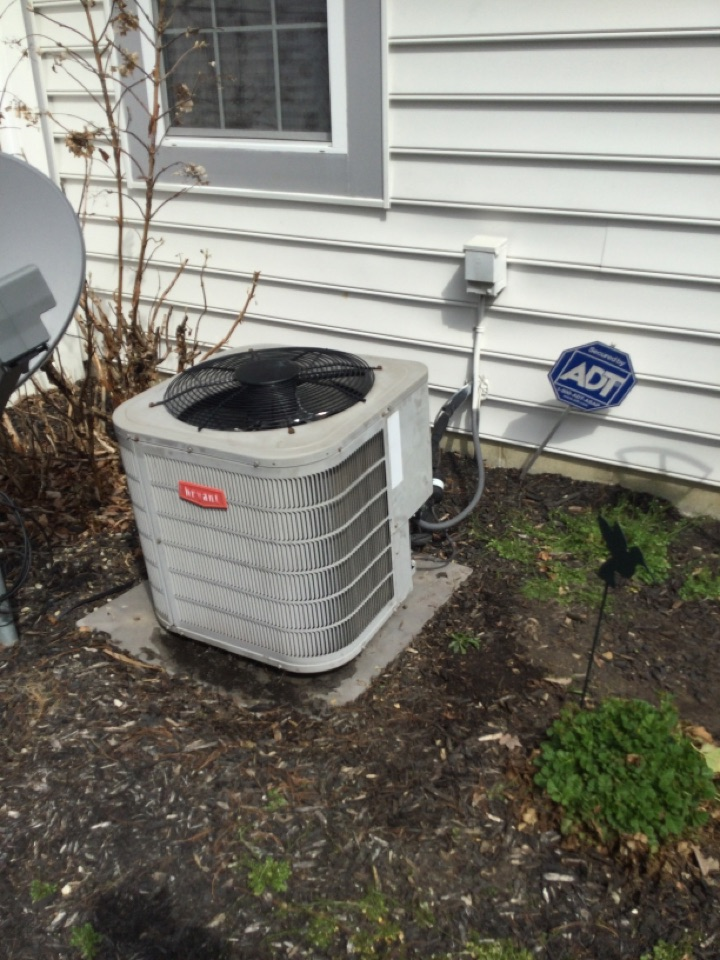 Delaware, OH - Ac maintenance inspection including cleaning condenser coil, checking electrical connections and cycling equipment to ensure proper operation.