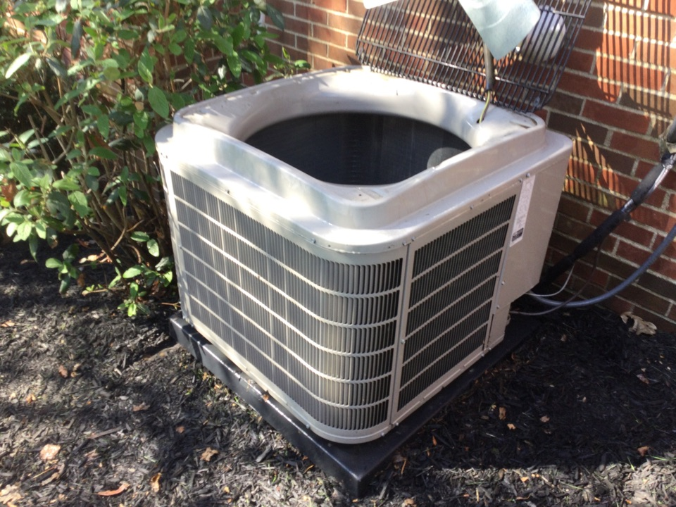 Dublin, OH - Performing maintenance on a 2015 Bryant air conditioner.