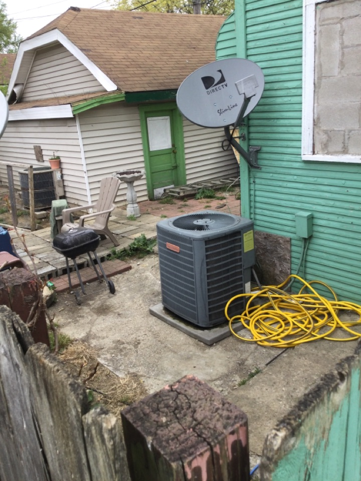 New Albany, OH - Ac maintenance inspection including cleaning condenser coil, checking electrical connections and cycling equipment to ensure proper operation. Gassed up unit with r22 today and replaced burnt contactor.