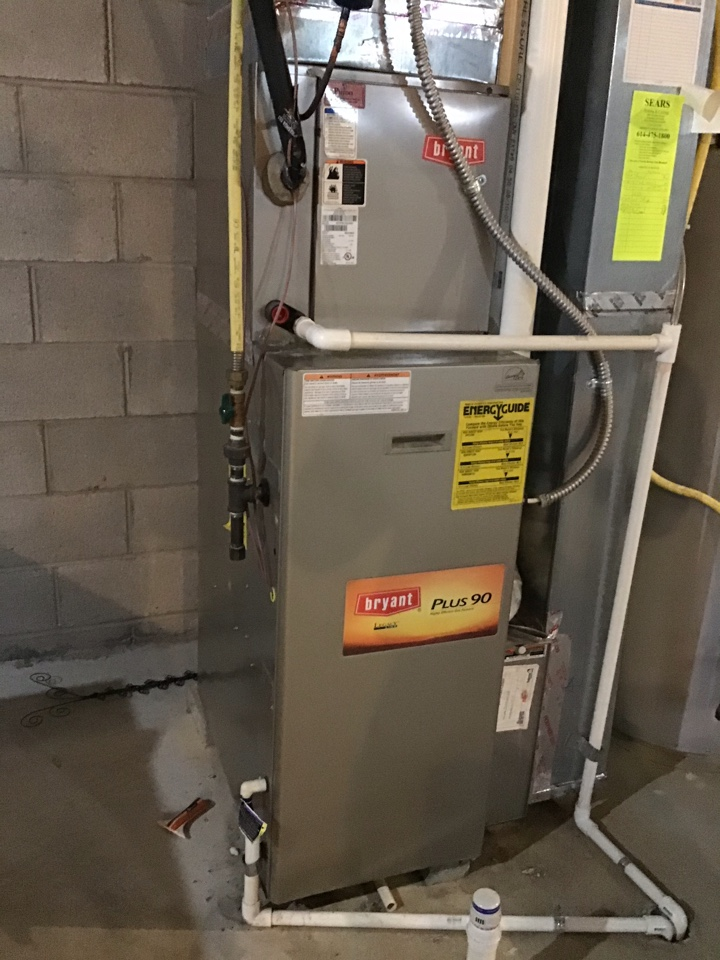 Grove City, OH - Ac check on comfortmaker we installed. Looks good. Clean capacitor is good 355