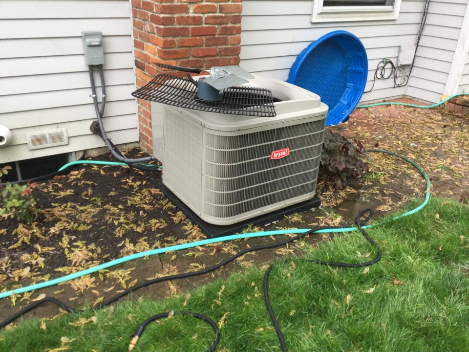 Columbus, OH - Performing maintenance on a 2014 Bryant air conditioner