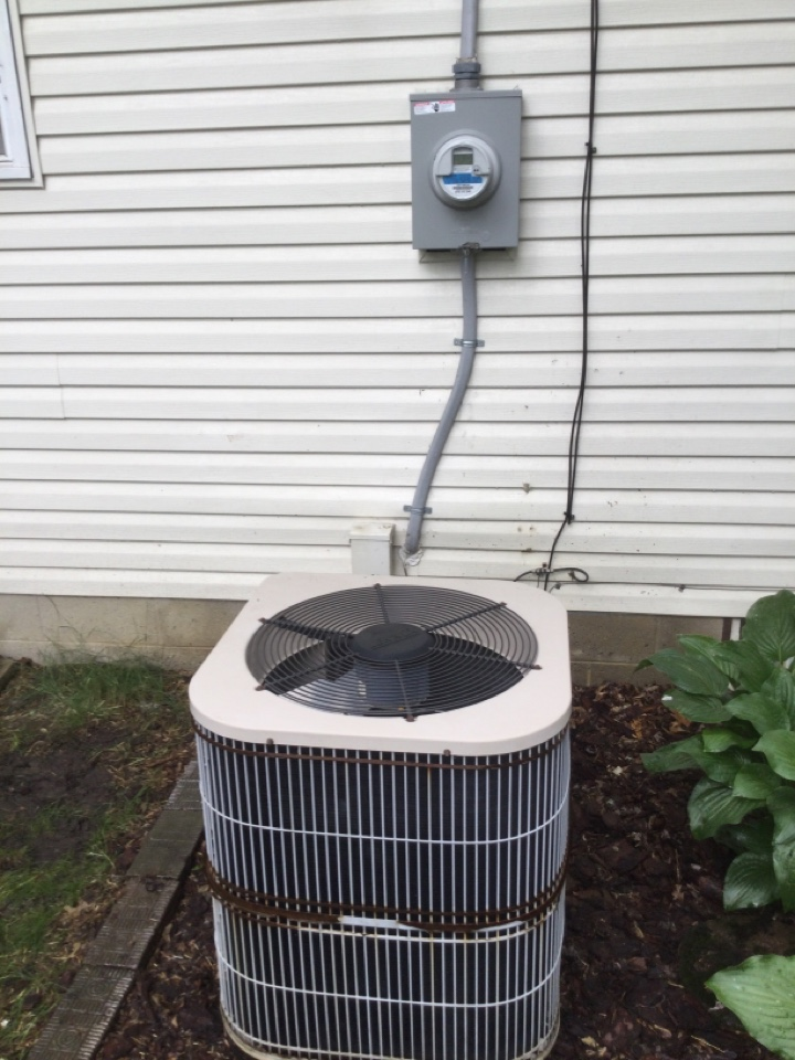 No cool call with leaking evaporator coil. Added refrigerant and leak seal to get unit by for the summer.