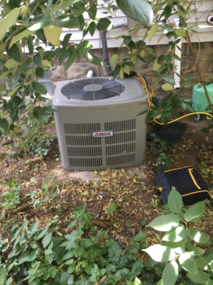 Ac maintenance inspection including cleaning condenser coil, checking electrical connections and using measureQuick reporting software to ensure proper operation.