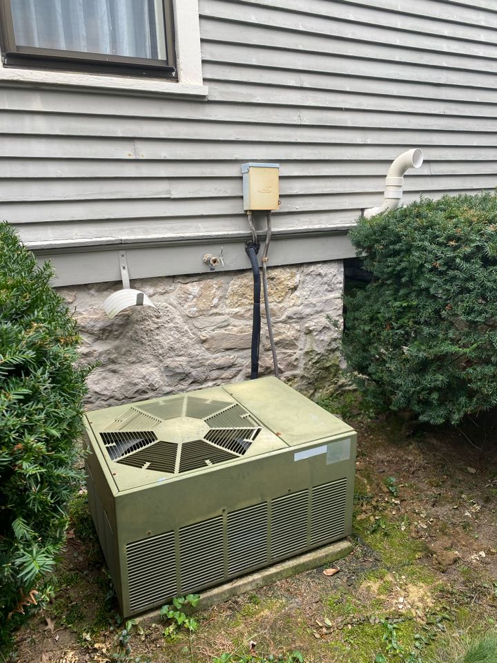 Cost to replace furnace and air condition. Cost to install furnace and air condition.