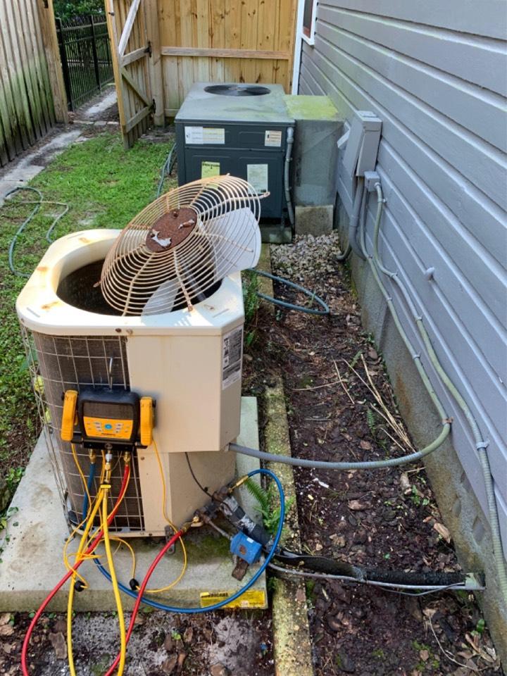 Oviedo, FL - Ac refrigerant leak inspection