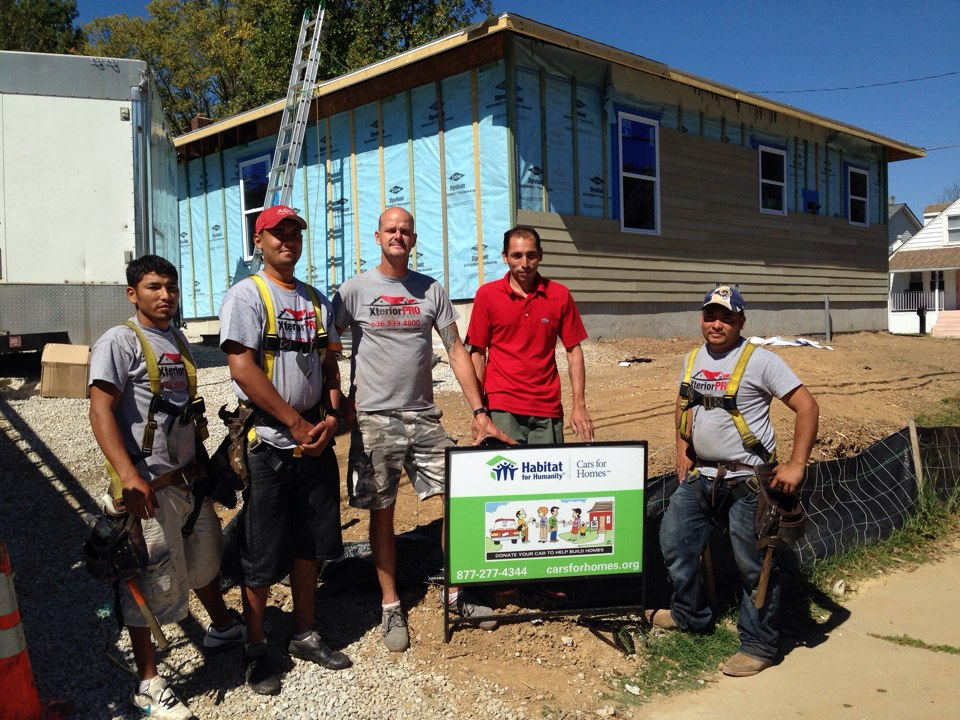 Kirkwood, MO - XteriorPRO installation of an architectural roofing system on a house for Habitat for Humanity.  GAF donated all of the materials and XteriorPRO donated the labor.