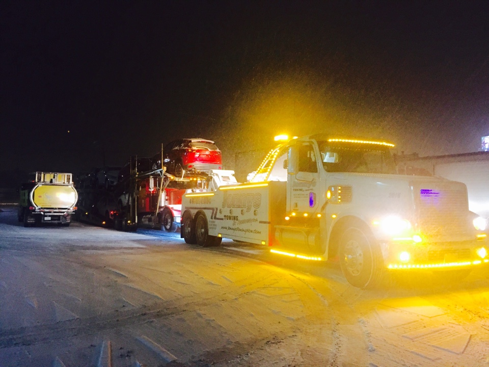 Bolingbrook, IL - Towing a car hauler with 9 cars