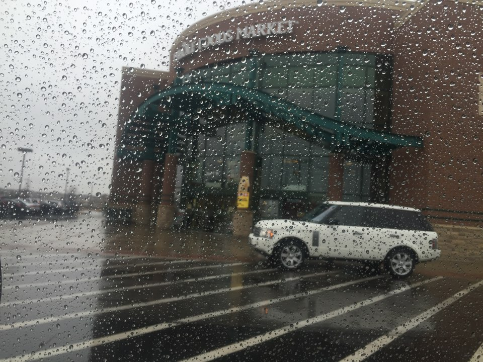Naperville, IL - Jump start / towing service @ whole foods Naperville il