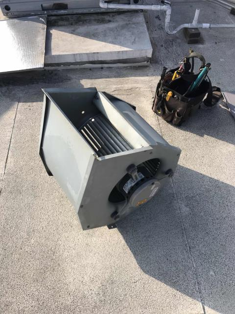 Returned to a commercial customer in Burbank, California, to repair their air conditioner. The ECM motor had gone bad and needed to be replaced, along with a pitted contactor. Our technician brought all necessary parts and cleaned out the blower wheel after installing them. Ran and cycled system, confirmed all operations were normal again.