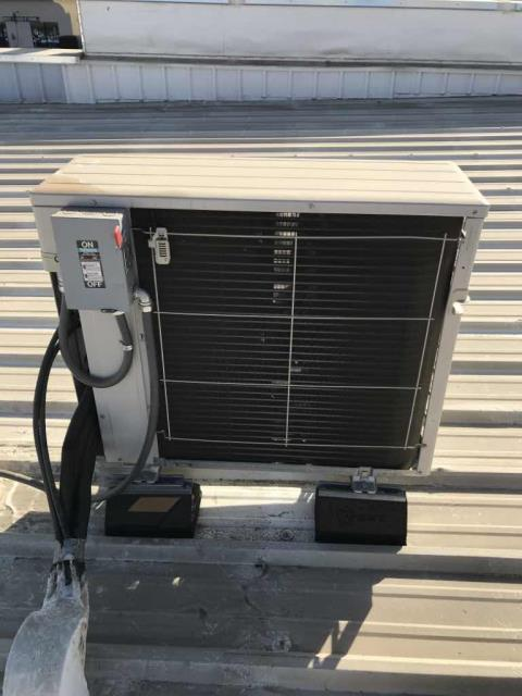 Fresno, CA - HVAC maintenance performed at a retailer in Kern County, California. All units inspected, filters not replaced per customer request. Units prepped for heating season. No deficiencies to report.