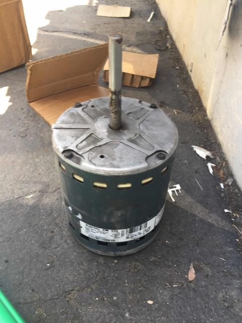 Sacramento, CA - Emergency call for occupational therapy center in Sacramento, CA. Found a defective blower motor and refrigerant leak. Repaired both.