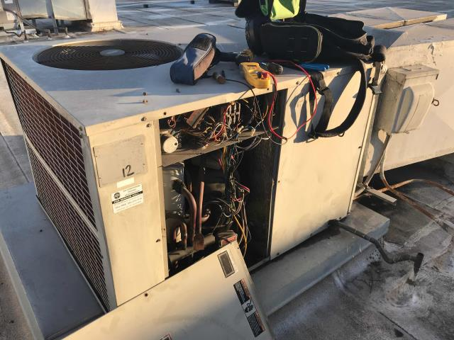 Ventura, CA - A/C technician was sent to Firehouse Plaza to inspect 4 ton package unit manufactured by Bryant. Complaint was for no heat. HVAC tech found blown fuse. He replaced fuse and tighten all electrical connections. Unit is very old and would be a good candidate for new unit installation.