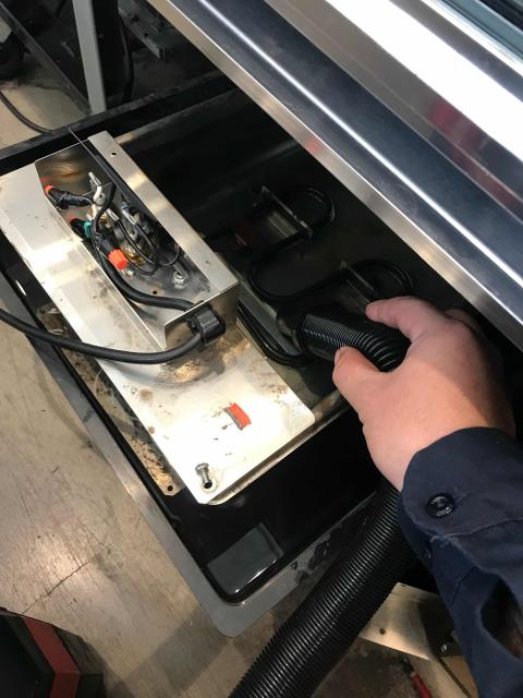 Manhattan Beach, CA - Los Angeles area AC tech responded to a cooler leaking water at a juice bar. The technician found the drain pan heater not working correctly due to float switch being misaligned. Tech adjusted the float and tested. Drain heater turned back on as expected. No other issues found, unit draining normally now.