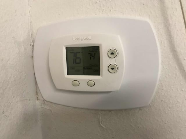 Commercial A/C tech was dispatched for approved quoted repairs at a check cashing place in La Habra, California. Tech replaced an old, faulty t-stat with a new Honeywell thermostat. Stat was programmed to the store's preferences, site cool and working well.