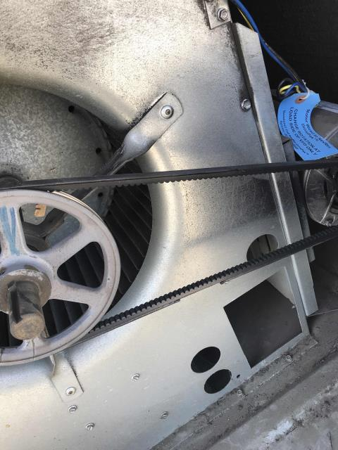 Thousand Oaks, CA - Belt replacements needed at a specialty imports supplier in Westlake Village, CA. Both the Carrier air conditioners had bad belts found on teh recent maintenance. Our technician swapped both belts, tested and confirm no other units in alarm with EMS.