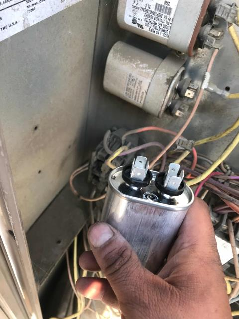 Bakersfield, CA - Received an standard AC service call from a pharmacy in Bakersfield, CA, for their break room and restroom unit in comm loss. Tech troubleshooted the #3 York air conditioner with a blown run capacitor and failing condenser fan motor. Tech replaced the capacitor for temporary cooling. Quoting fan motor replacement now.
