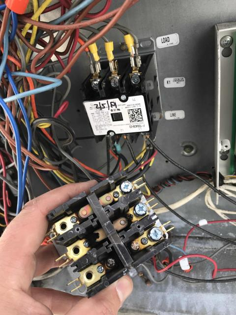 Pasadena, CA - Dispatched our technician back to a home goods store on Foothill Blvd in Pasadena, CA, to finish AC repairs. Their Lennox air conditioner needed the contactor replaced. After hooking up electrical again, tech tested unit and confirmed no more issues. Checked out with EMS, rest of site working normally.