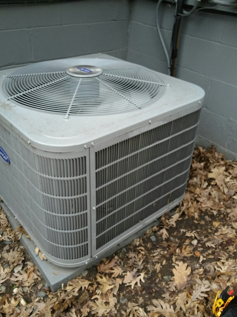 Eagan, MN - Just completed a clean and tune on a Carrier furnace with a Carrier air conditioner in Eagan Mn