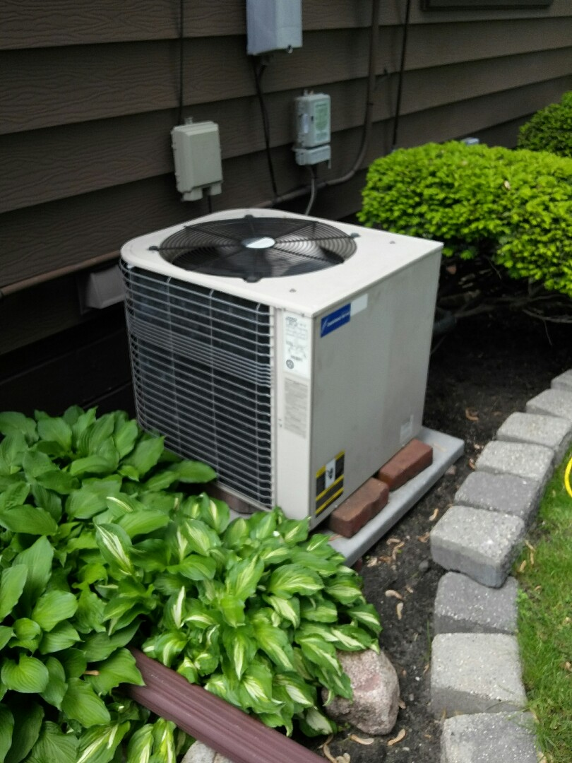 Minneapolis, MN - Just completed a clean and tune on a Lennox air conditioner in Minneapolis