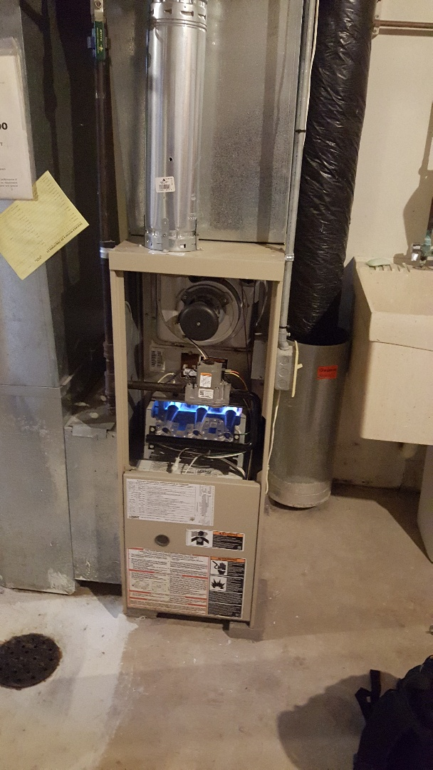 Plymouth, MN - I'm doing a furnace tune up on a Lennox in Plymouth Mn