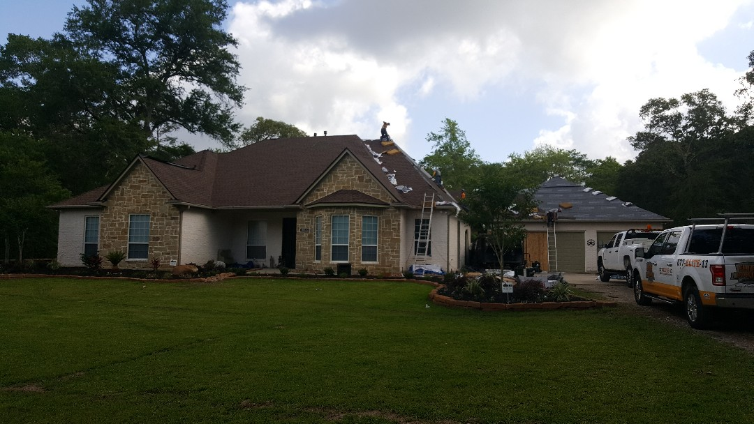 Magnolia, TX - GAF HD Barkwood replacement roof on this beautiful remodel project on acreage.  Z-ridge on the hips and Timbertex over the GAF Cobra 3 ridgevent.  As usual GAF starter and storm guard with 6 nails for high wind warranty.